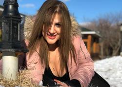 """Azərbaycanlı aktrisadan sinəsi açıq halda qarın üstündə <span class=""""color_red"""">EHTİRASLI POZ - FOTO</span>"""