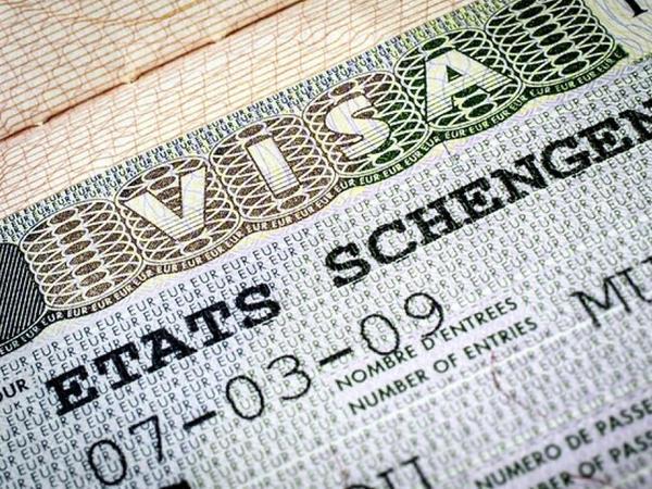 Bu ölkədə viza rüsumlarının qiyməti qaldırılıb