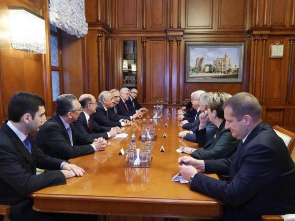 Nazirlər Kabinetində görüşdə Azərbaycan–Rusiya iqtisadi əlaqələrinin inkişafından danışılıb