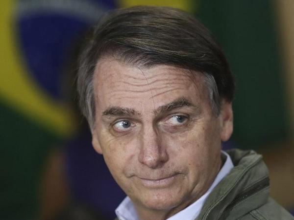 """Braziliya prezidenti """"hindilərın təkamülü"""" sözlərinə görə məhkəməyə verilə bilər"""