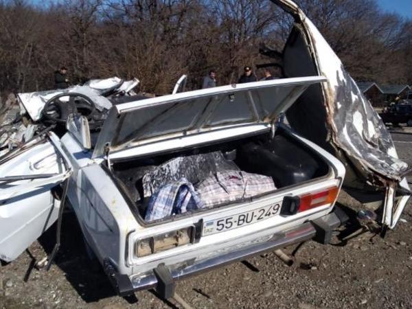 Azərbaycanda baş verən yol qəzasında bir ailənin 3 üzvü ölüb