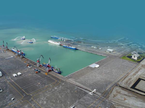 Bakı Limanı son 28 ilin rekordunu vurdu - FOTO