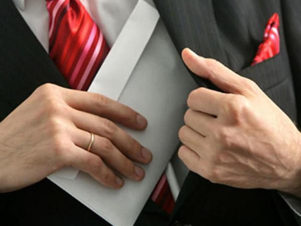 Korrupsiya faktlarına görə 6 rayon təhsil şöbəsinin rəhbəri işdən çıxarılıb
