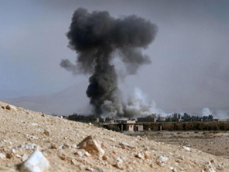 Terrorçular Suriyada neft anbarlarına hücum ediblər