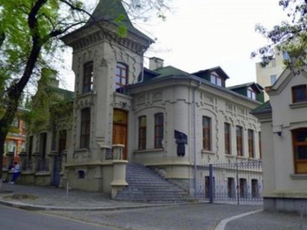 Brejnevin rezidensiyası satışa çıxarıldı