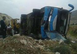 Ermənistandan Tehrana gedən avtobus qəzaya uğradı