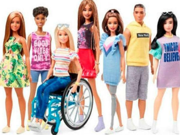 """Əlil arabasında olan """"Barbie"""" bu il SATIŞA ÇIXARILACAQ - VİDEO"""