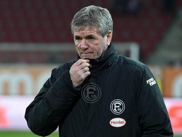 Bundesliqa klubunda baş məşqçi istefası