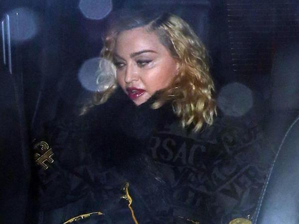 Madonna kameralardan qaça bilmədi - FOTO