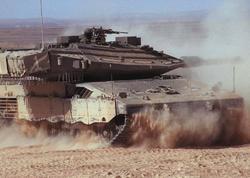 İsrail tankları Qəzza zolağına zərbələr endirib