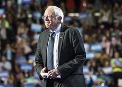 Sanders ilkin seçkilərin lideridir