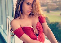 """Dünyanın ən seksual aparıcısı məşqdə - <span class=""""color_red"""">FOTO </span>"""