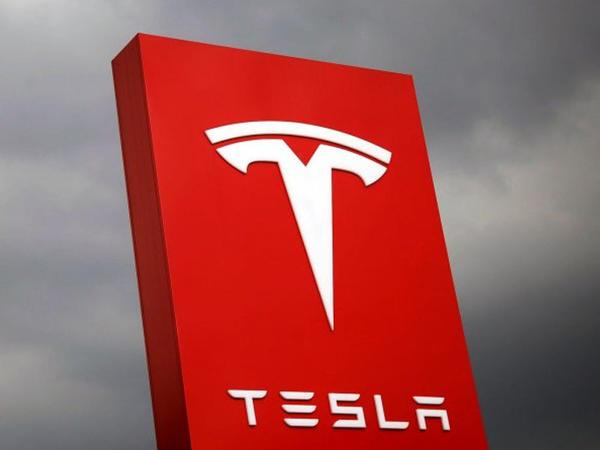 """Tesla elektromobillərini geri çağırdı – <span class=""""color_red"""">SƏBƏB</span>"""
