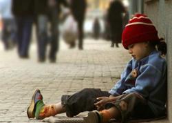 Bakı polisi atılmış 7 azyaşlını uşaq evinə təhvil verdi