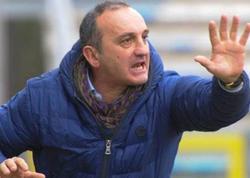 """Baş məşqçi futbolçusunu vurdu, oyundan qovuldu - <span class=""""color_red"""">VİDEO</span>"""