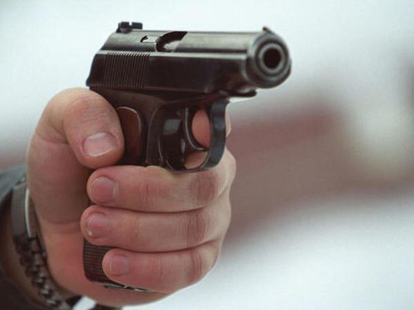 """Oğlunun gözü qarşısında arvadını öldürüb, <span class=""""color_red"""">intihar edən şəxs azərbaycanlı imiş - VİDEO - FOTO</span>"""