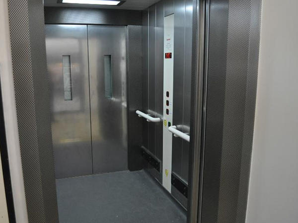 Xətai rayonunda binalarda 147 köhnə lift yenisi ilə əvəzlənib