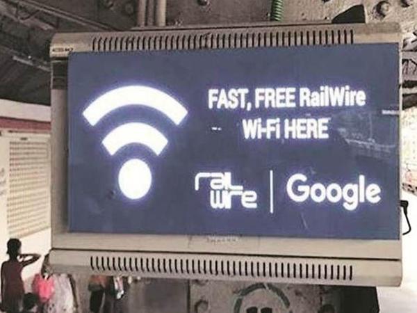 """""""Google"""" ödənişsiz """"Wi-Fi"""" layihəsinin fəaliyyətini dayandırır"""