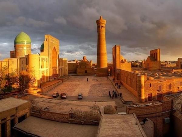 Qədim Buxara şəhəri bu il İslam mədəniyyətinin paytaxtı seçiləcək