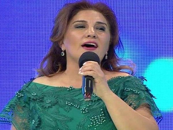 """""""Kişi müğənnilər yanlarında apardığı qadın müğənniləri satırlar"""" - Əməkdar artist"""