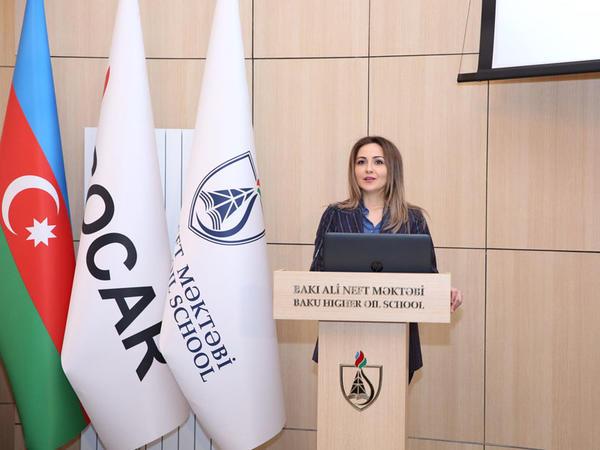 """Bakı Ali Neft Məktəbində """"Qadınlar və mühəndislik"""" mövzusu müzakirə olunub - FOTO"""
