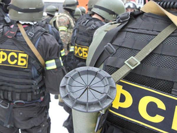 """Anar Məmmədov HƏBS EDİLDİ - <span class=""""color_red"""">Suriyalı silahlıları üçün adam toplayırmış</span>"""