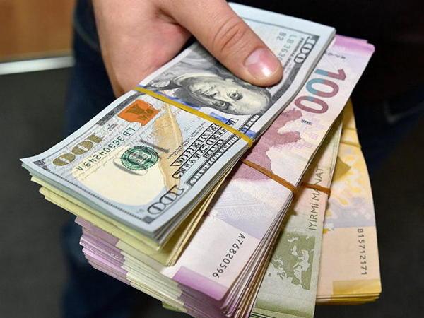 Əhalinin banklarda olan əmanətlərinin məbləği açıqlanıb