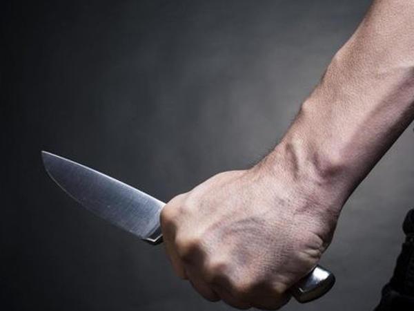 Qayınata toy günü bəyin boğazını kəsib öldürdü - FOTO