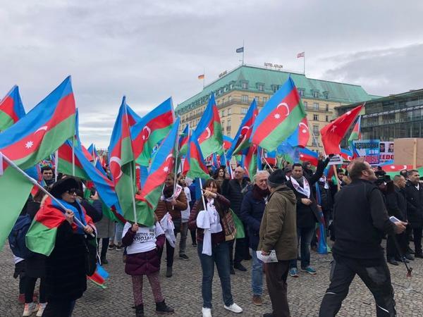 Berlində Ümumavropa Qarabağ mitinqi keçirilir - YENİLƏNİB