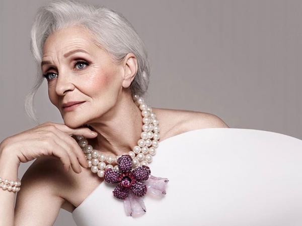 Rusiyalı nənə 60 yaşında fenomen oldu - FOTO