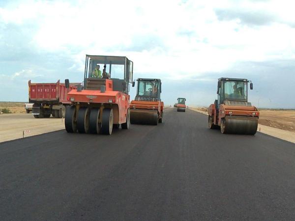 Yeni magistral yolun 100 km-lik hissəsinin tikintisi yaya qədər bitəcək - FOTO