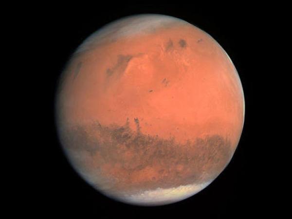 """""""InSight"""" zondu Marsda yüzlərlə yeraltı təkan qeydə alıb"""