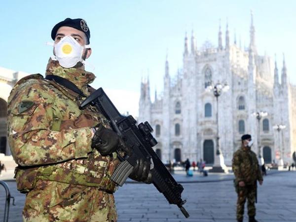 "Koronavirusa ""yoluxan"" İtaliyadan FOTOlar"