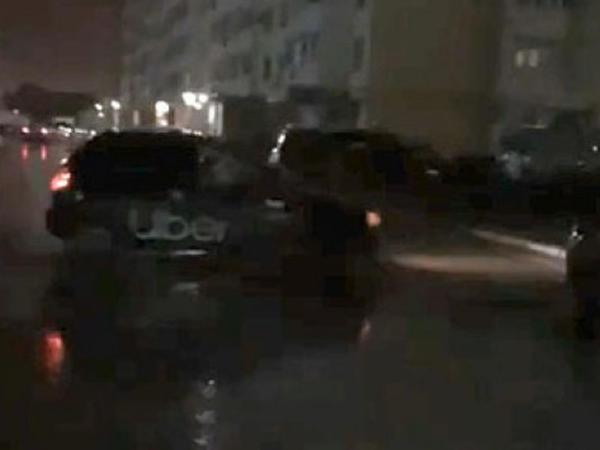 Polis taksi ilə beş maşını vurub qaçan sürücünü saxladı - VİDEO