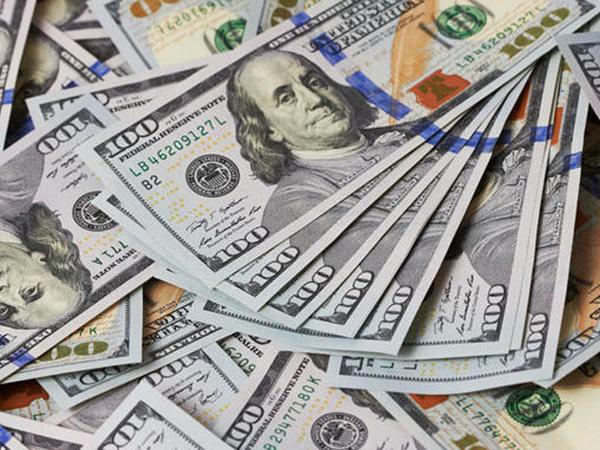 Ağdamda evdən 27,360 dollar oğurlanıb
