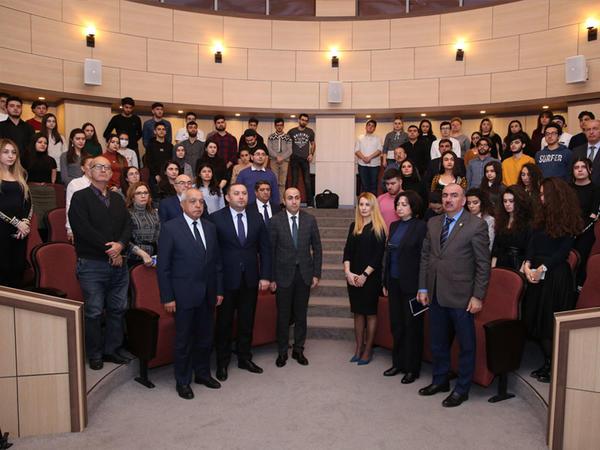 Bakı Ali Neft Məktəbində Xocalı soyqırımının anım tədbiri keçirilib