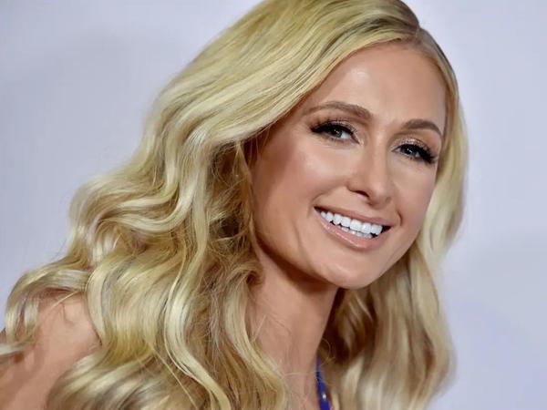 "Paris Hilton DNT testi etdi, <span class=""color_red"">kraliçanın qohumu çıxdı</span>"