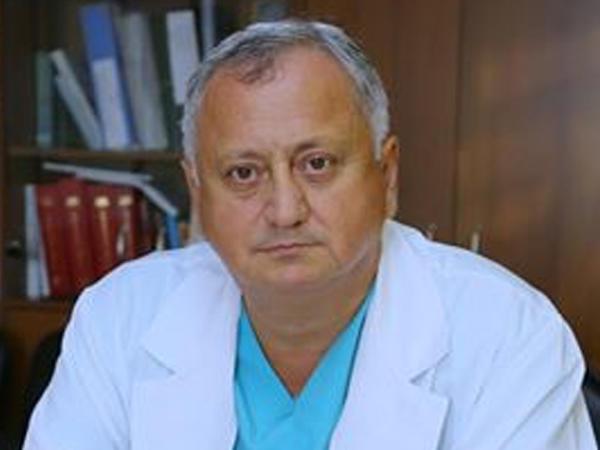 Rusiyanın məşhur onkoloqu Azər Axundov kimdir?