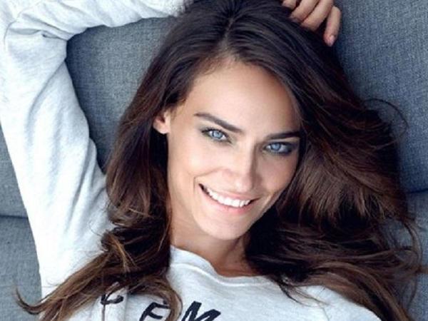 "Türkiyəli aktrisa Amerikada ana oldu - <span class=""color_red"">FOTO</span>"