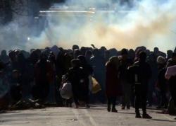 Türkiyədən Yunanıstana keçmək istəyən miqrantlara qarşı qaz bombası istifadə edilib