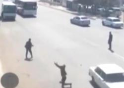 Paytaxt yollarında qaydasız piyadalar - VİDEO
