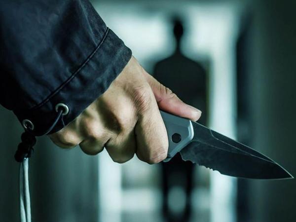 Polisi bıçaqlayan şəxs saxlanıldı