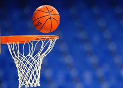 Basketbolçudan avtoqraf aldı, koronavirusa yoluxdu