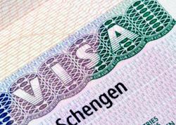 """Avropa İttifaqı Şengen vizalarının verilməsini <span class=""""color_red"""">məhdudlaşdıracaq</span>"""