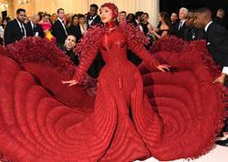 Dünyanın ən nüfuzlu moda gecəsi təxirə salındı