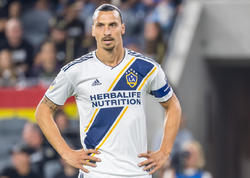 Zlatan İbrahimoviç karyerasını mövsümün sonunda başa vura bilər