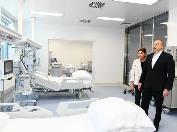 """Prezident İlham Əliyev və birinci xanım Mehriban Əliyeva """"Yeni klinika"""" tibb müəssisəsinin açılışında iştirak ediblər - FOTO"""