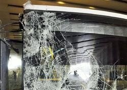 Bakıda sərnişin avtobusu yol ayrıcına çırpıldı - FOTO