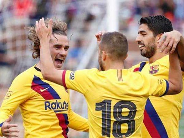 """""""Barselona"""" 30 min tibbi maska bağışlayacaq"""