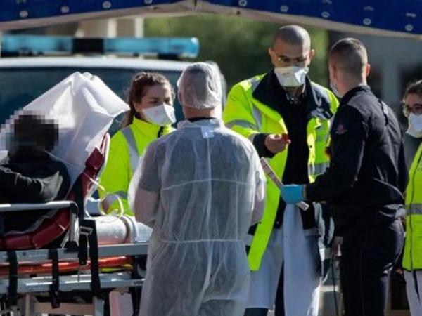 Fransada koronavirus pandemiyasının pik dövrü başlayıb